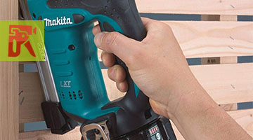 Best Cordless Staple Guns in 2018